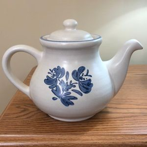 Pfaltzgraff Yorktowne TeaPot Vintage 550Y 6cup